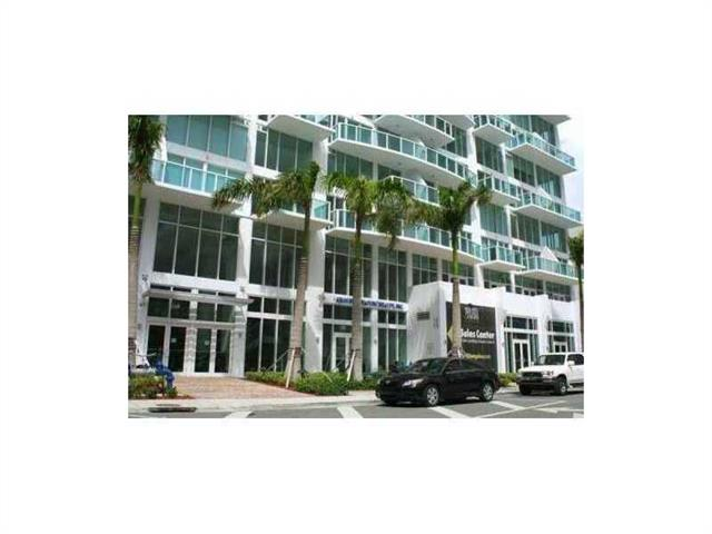 Brickell on the River #317 - 02 - photo