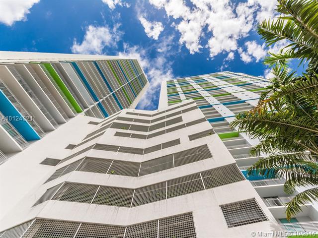 One Miami #3705 photo01