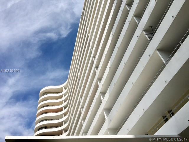 Oceanside Plaza #5V - 01 - photo