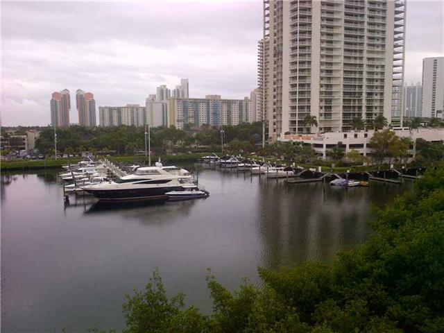 Yacht Club at Aventura #5607 photo12