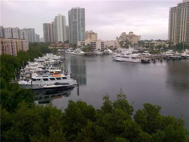 Yacht Club at Aventura #5607 photo02