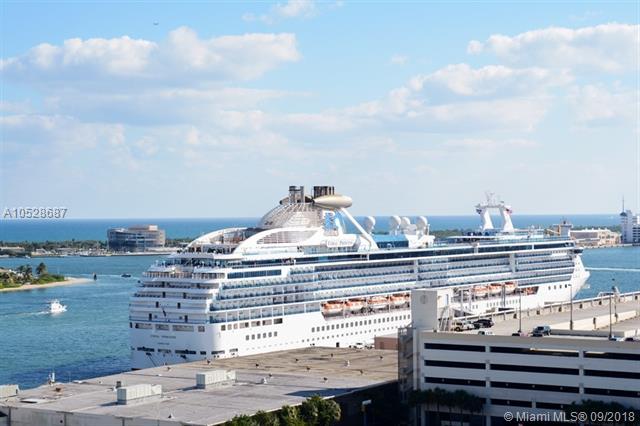 Port Condo #1610 photo06