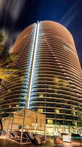 Epic Residences #3111 photo02