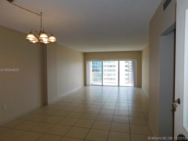 Аренда квартиры по адресу 1980 Ocean Dr, Hallandale, FL 33009 в США