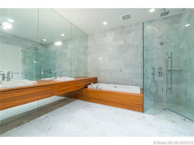 Property 2669 S Bayshore Dr #1403N image 3