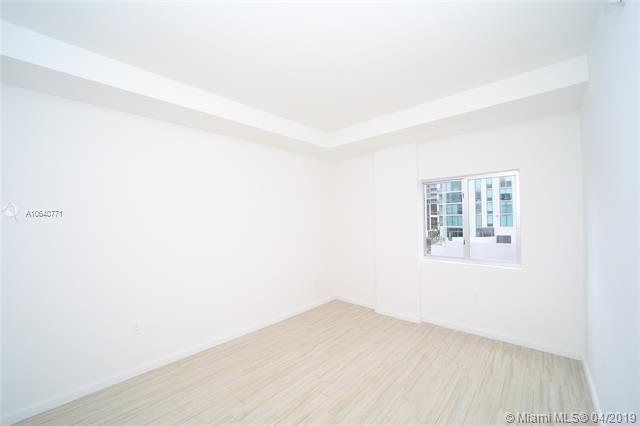 Property 481 NE 29th St #605 image 10