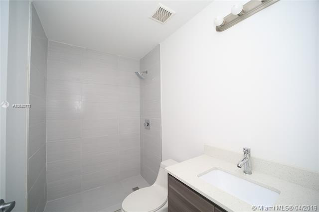 Property 481 NE 29th St #605 image 11