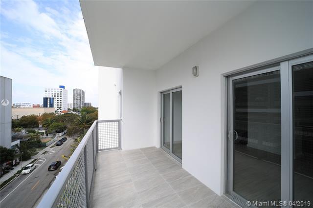 Property 481 NE 29th St #605 image 14