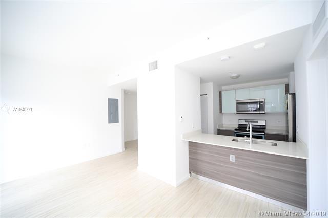 Property 481 NE 29th St #605 image 1