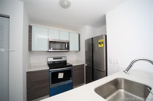 Property 481 NE 29th St #605 image 5