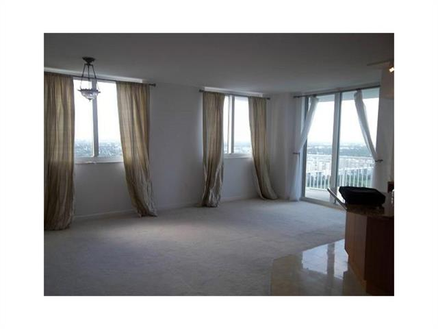 Duo Hallandale #2002W photo13