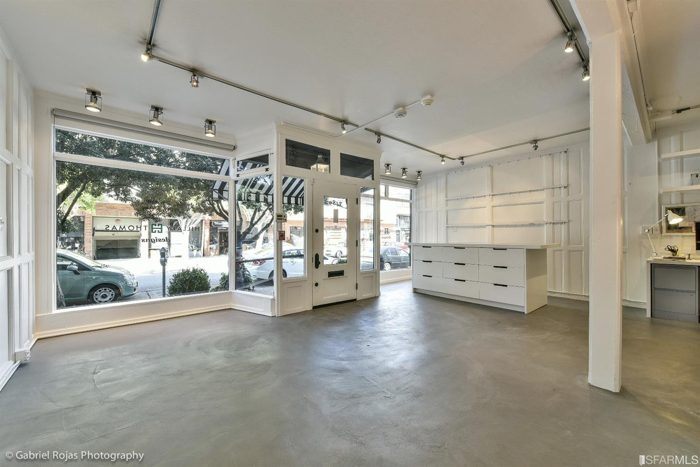 3489 Sacramento Street