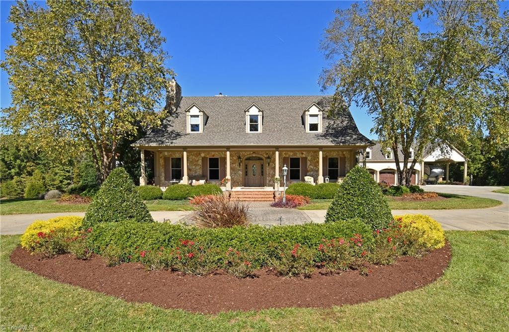 639 Hoy Long Road, Winston Salem, North Carolina 27107, 4 Bedrooms Bedrooms, 11 Rooms Rooms,Residential,For Sale Triad MLS,Hoy Long,909058