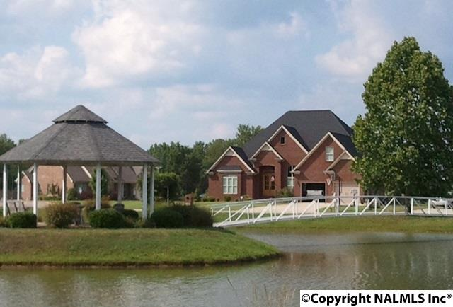Photo of home for sale at 149 Grande Lake Drive, Moulton AL